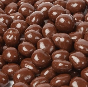 Kadac Bulk Organic Choc Coated Almonds Milk 5Kg